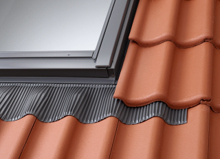 Velux Low Profile Tile Flashing 55x98cm 20-90deg EDW CK04 0000