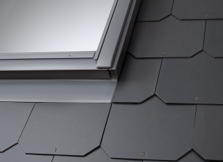 VELUX Low Profile Tile Flashing 55x98cm 20-90deg EDL CK04 0000